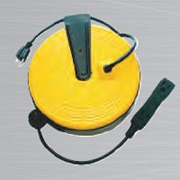 HEAVY DUTY RETRACTABLE REEL, 30', 3 OUTLETS, W/LED POWER INDICATOR