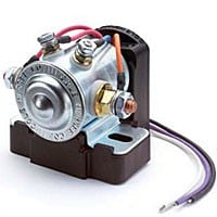 SMART ISOLATOR, 12V, 200A, PREVENTS LOAD ON AUX. BATTERY FROM DRAINING START BATTERY