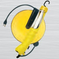 FLUORESCENT, METAL RETRACTABLE REEL, 13W, ANGLED, W/GROUNDED RECEPTACLE, 16/3 SJT, 40FT