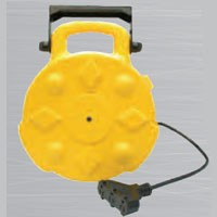 HEAVY DUTY RETRACTABLE REEL, 13AMP, 30', TRIPLE-TAP, W/LED POWER INDICATOR, MOUNTING BRACKET