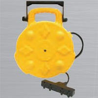 HEAVY DUTY RETRACTABLE REEL, 15AMP, 50', QUAD-TAP, W/LED POWER INDICATOR, MOUNTING BRACKET